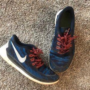 Nike free 5.0 size 5.5 YOUTH